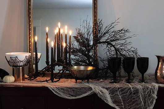 5 Tips for Haute Halloween Decor - Zillow Porchlight