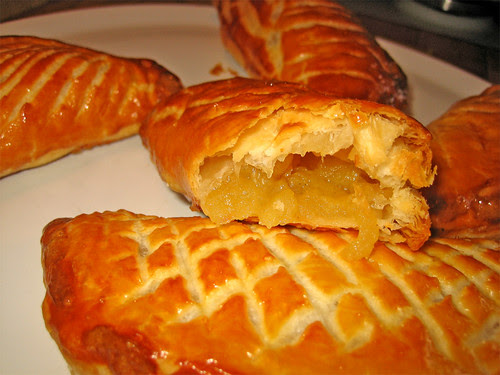 Chaussons aux pommes by fugzu