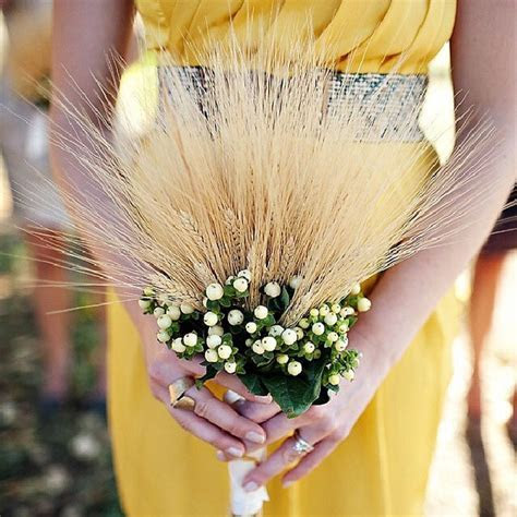 19 Creative Bridesmaid Bouquet Alternatives   two pink