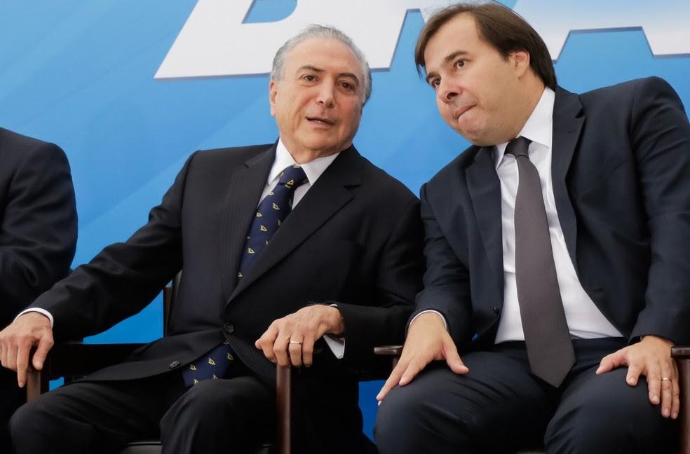 O presidente Michel Temer e o presidente da Câmara, Rodrigo Maia, durante evento em fevereiro (Foto: Marcos Corrêa/PR)