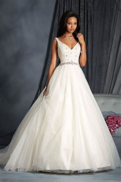 2572 Wedding Dress from Alfred Angelo Modern Vintage