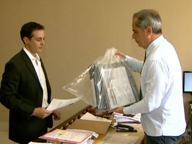 Promotoria de Justiça apreendeu documentos no apartamento de Marcelo Plastino, empresário morto em Ribeirão Preto (Foto: Reprodução/EPTV)