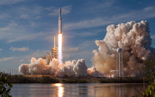 SpaceX Wins $130 Million Air Force Contract Aboard Falcon Heavy