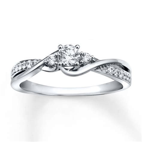 Diamond Engagement Ring 1/3 ct tw Round cut 10K White Gold