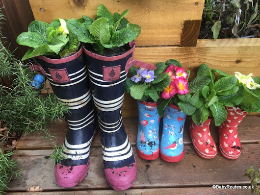 How to Make Flower Pots from Old Wellies. - Baby Routes