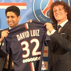 Xeque Nasser Al-Khelaifi dono PSG e David Luiz (Foto: Reprodução PSG TV)