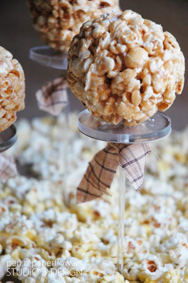 popcornpastrypedestalWM2327