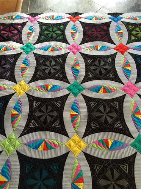 Double Wedding Ring quilt by Debra Clutter of Bakersfield