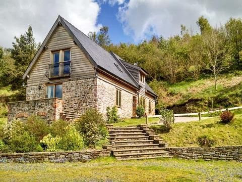 Hiraeth Barn Self Catering Holiday Home Dolau Wales | Holiday Cottage