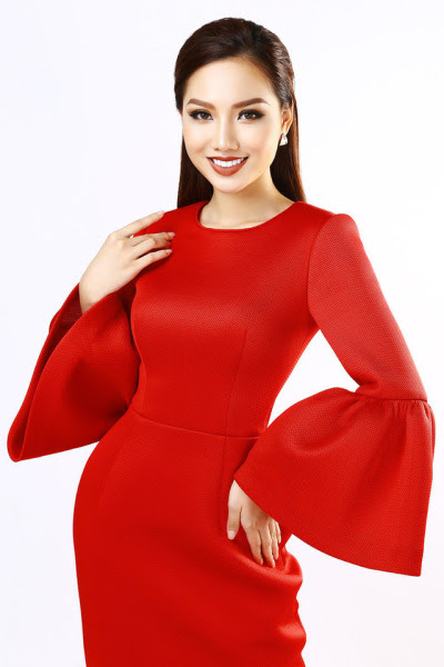 Hiện tại, cô đang rèn luyện những kĩ năng cần thiết để có thể tự tin đảm nhận công việc tay ngang.http://mynhanviet.vnbloggers.com