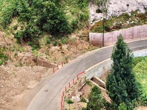 20100727-rq-12-estrada abaixo da estação do teleférico