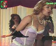 Daniela Galli sensual na novela Ribeirão do Tempo
