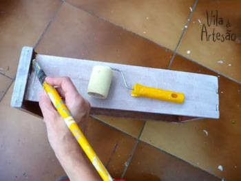 Pinte uma base branca