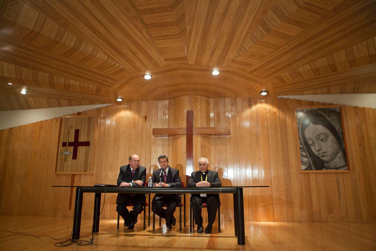 Peña Nieto cuando compareció ante el episcopado en abril pasado. Foto: Miguel Dimayuga.
