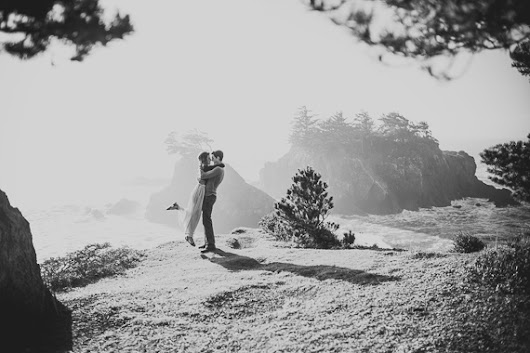 Scenic Oregon coast engagement session http://t.co/dMOEqhBjRQ http://t.co/RIX1wDEC2H