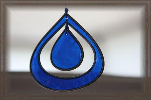 hanging blue by ultraBobban