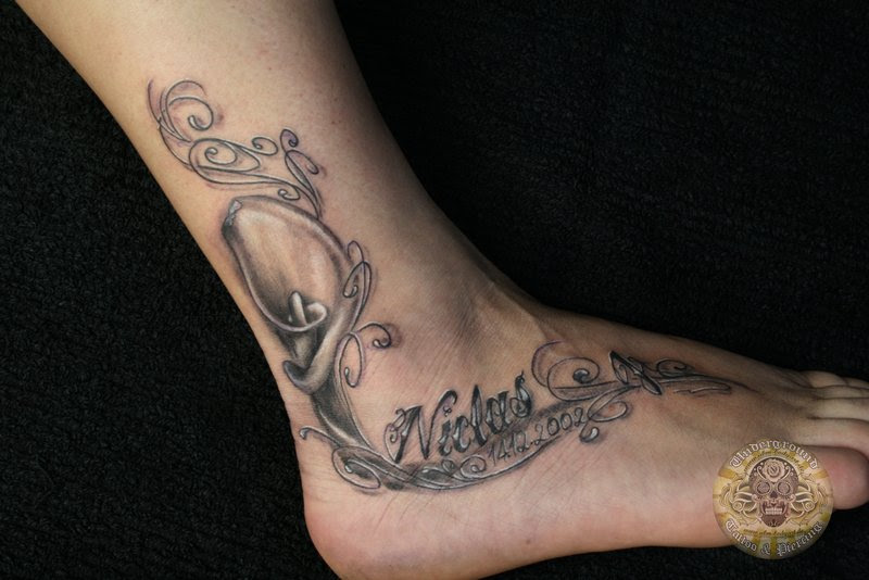 Calla Lily Tattoo Design In 2017 Real Photo Pictures Images And