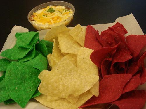 b&t nachos chili con carne