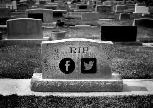 Why social media is DEAD for music marketing (and why email works) - DIY Musician Blog
