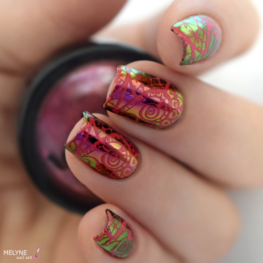 Nail Art Multichrome Powder et stamping + TUTORIAL