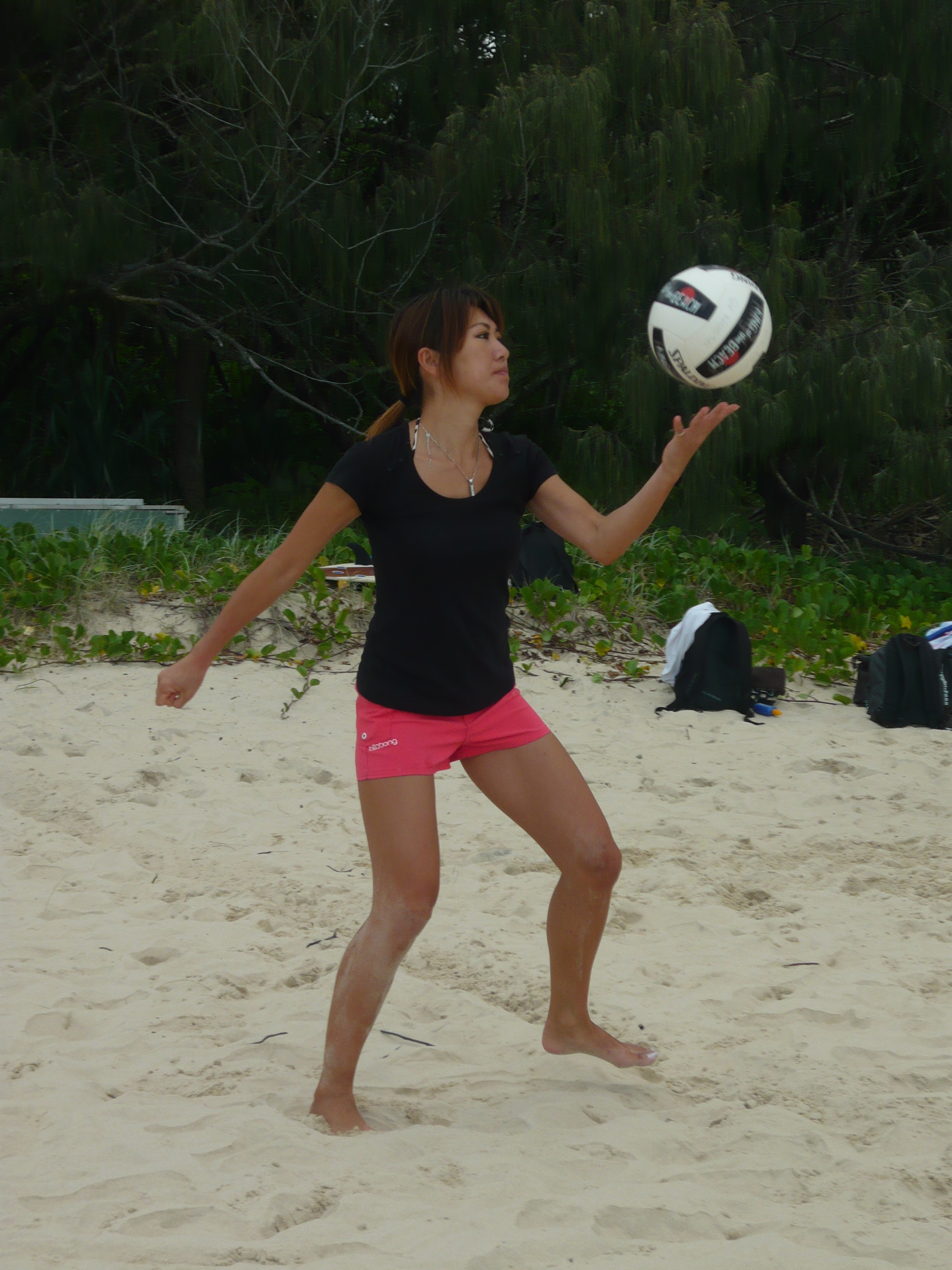 http://globalvillagenoosa.files.wordpress.com/2011/04/beach-volley-ball-ge-015.jpg