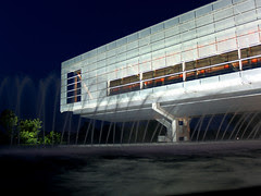 Clinton Library and fountain