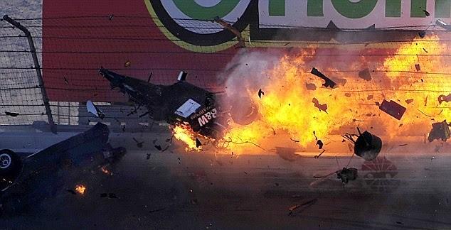 dan wheldon crash-2