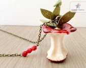 Bitten Red apple Necklace. Trendy Fruit necklace, fruit jewelry, food necklace, red necklace, leaves necklace - KandyDisenos