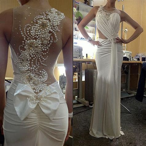 Elegant Pearls Back Sheath Beach Wedding Dresses Custom