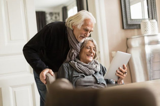 Top 10 Best Tablets For Seniors and Elderly People 2017