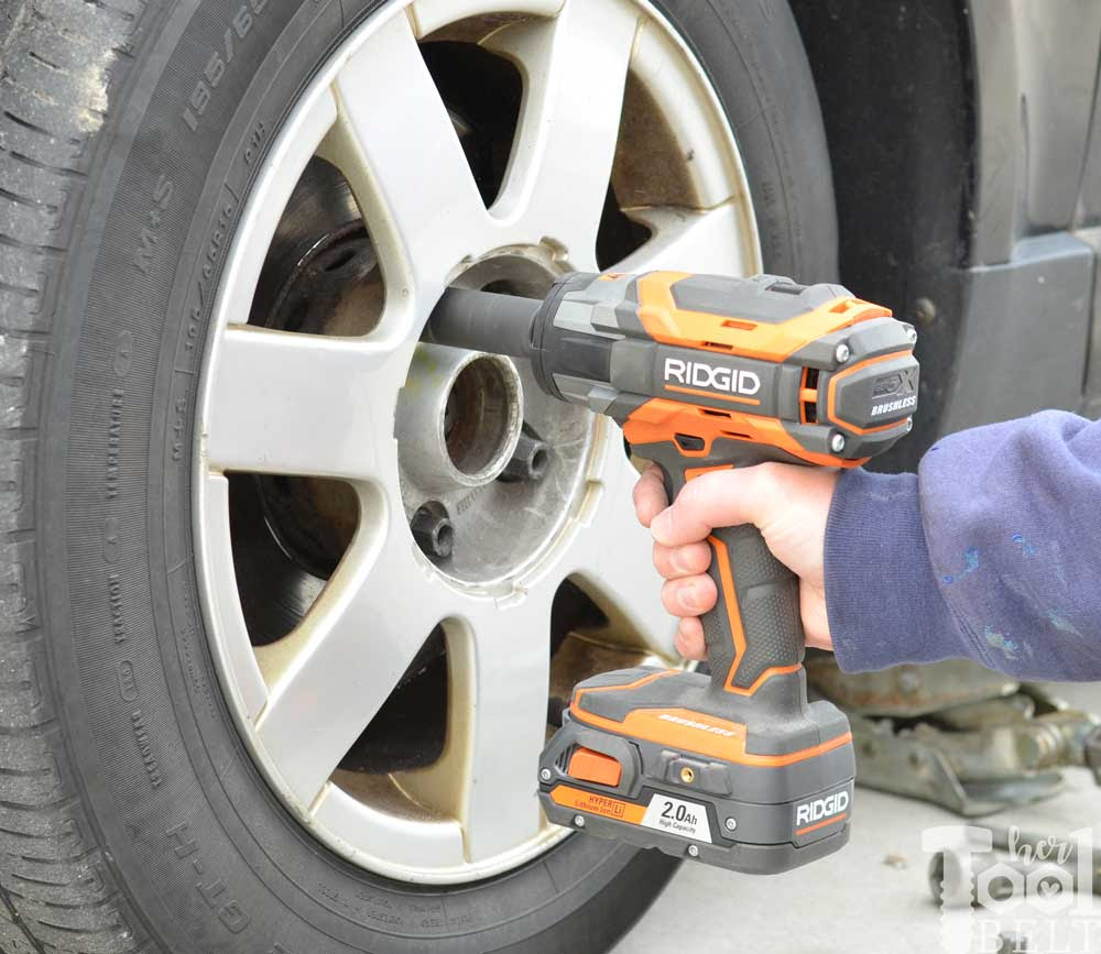 Changing A Car Tire The Quick Way Her Tool Belt