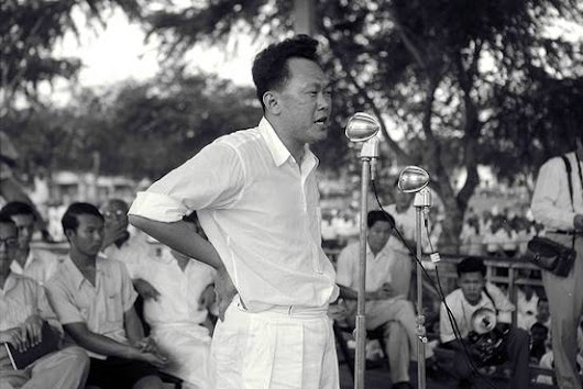 Lee Kuan Yew, Singapore's Founding Father, Dies at 91