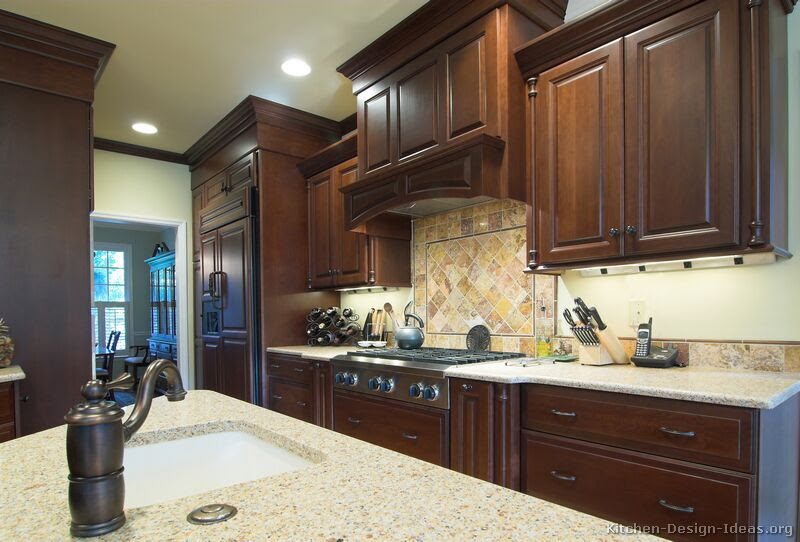Traditional Kitchen Cabinets - Photos & Design Ideas