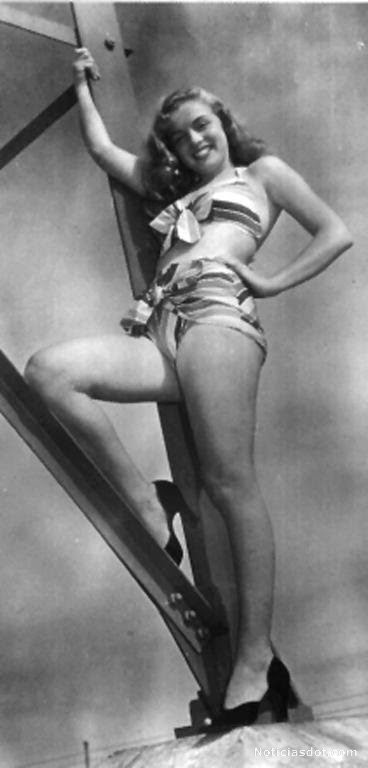 marilyn monroe bikini 1946