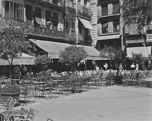 Terraza del Café Español de Zocodover en 1967. Fotografía de John Fyfe