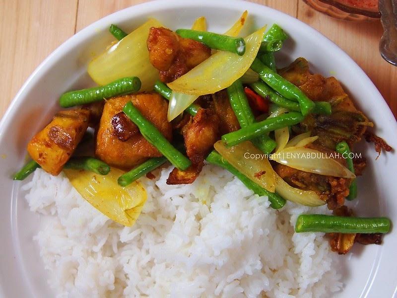 Nasi Ayam Goreng Kunyit | EnyAbdullah.Com