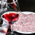 Restaurang på äldreboende får kvällsöppet - P4 Halland