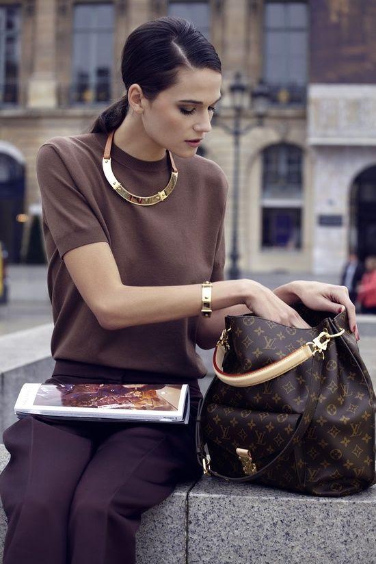 Louis Vuitton - so classy and elegant.  #chic #elegant #women #fashion #style #stylish #effortless