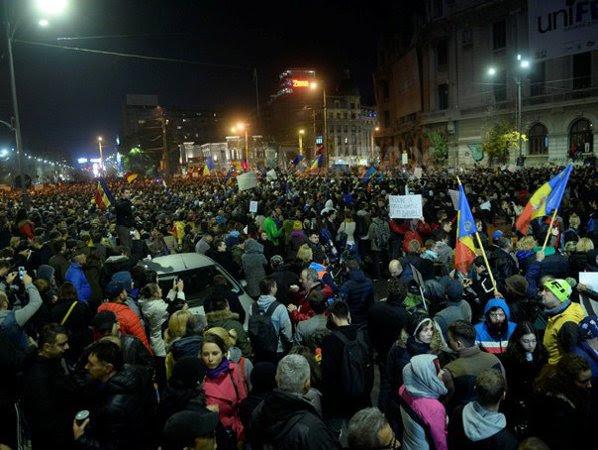 Image result for proteste imagini