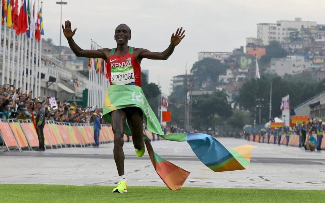 Olympics men's marathon live: Eliud Kipchoge wins gold for Kenya