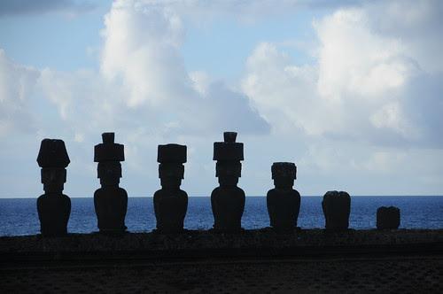 moai at anakena, outline