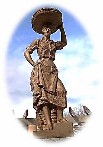 Monumento a la figura de la  Sardinera. Santurtzi (Desde Santurce a Bilbao vengo por toda la orilla...)