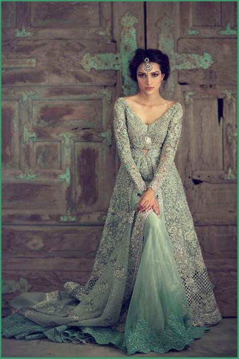 Best Pakistani Bridal Wedding Dresses for Walima Functions