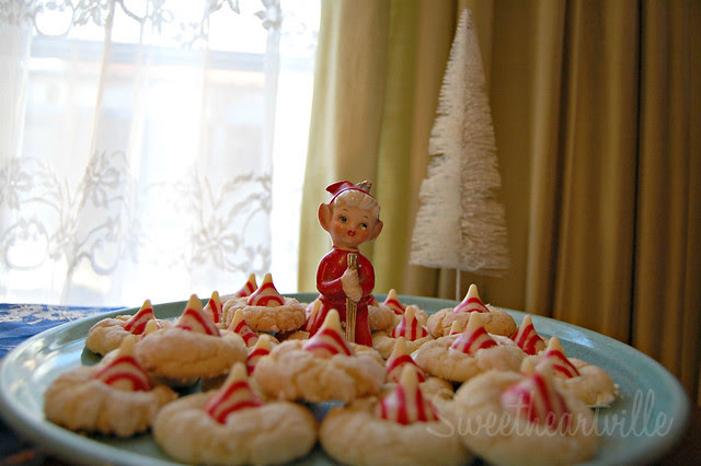 elf and cookies