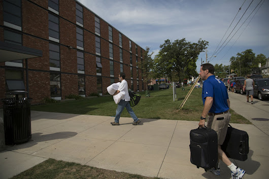 How helicopter parents are ruining college students