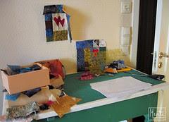 ktichen table as cut station :: kuttebord på kjøkkenet