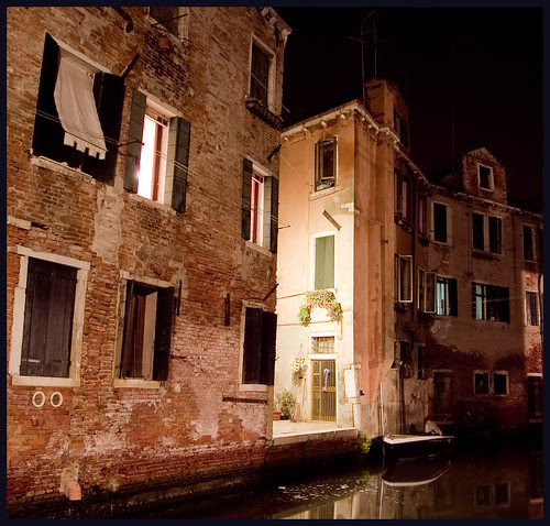 Venetië bij nacht by hans van egdom