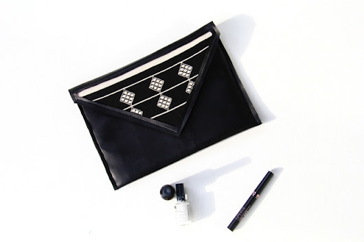 BLACK FAUX LEATHER CLUTCH DIY