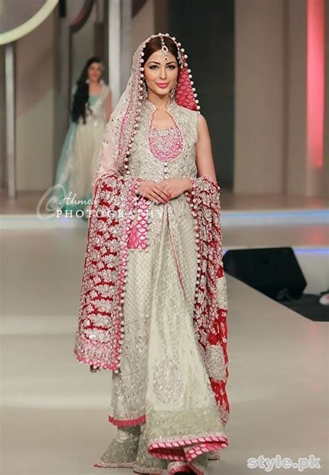 Latest Trends Of Bridal Maxi 2015 In Pakistan 1   Style.Pk
