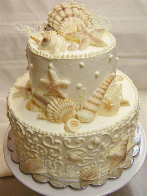 A small seashell wedding cake by Kiss Me Cakes, Wellfleet